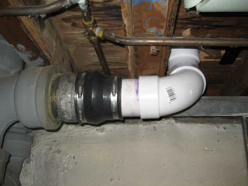 Toilet Flange And Sewage Pipe Problem Doityourself Com